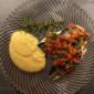 Wolfsbarschfilet gebraten mit Polenta und Sauce Vierge