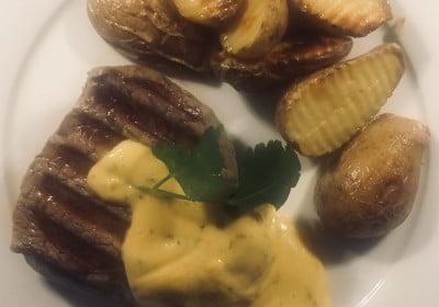 Rinderfilet mit Sauce Béarnaise und Offenkartoffeln