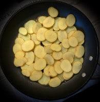 Bratkartoffeln beim Braten