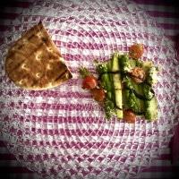 Grüner Spargel gratiniert mit Panini-Brot