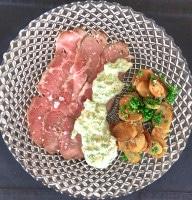 Roastbeef, grüne Soße, Bratkartoffeln