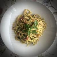 Spaghetti aglio e olio auf dem teller