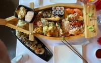 Sushi Boot bei Henssler und Hennssler am Fischmarkt in Hamburg