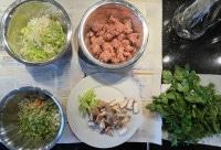 Zutaten für Pasta mit Wurstbrät und Gemüse