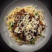 Spaghetti Bolognese serviert